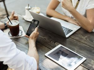 ธุรกิจออนไลน์ ตลาดขนาดใหญ่มหาศาล แค่มีอินเตอร์เน็ต ก็เริ่มต้นทำธุรกิจได้แล้ว