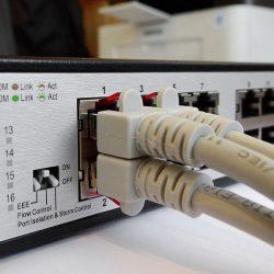 รับเดินสาย LAN สายโทรศัพท์ วางระบบ Network ภายในองค์กร