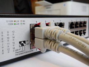 รับเดินสาย LAN สายโทรศัพท์ วางระบบ Network WiFi ภายในองค์กร