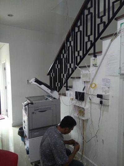 เดินสาย LAN เชื่อมต่อระบบ Network ที่ บริษัท ดิ ไอเฟล รามคำแหง (ซอยมิสทีน) กทม.