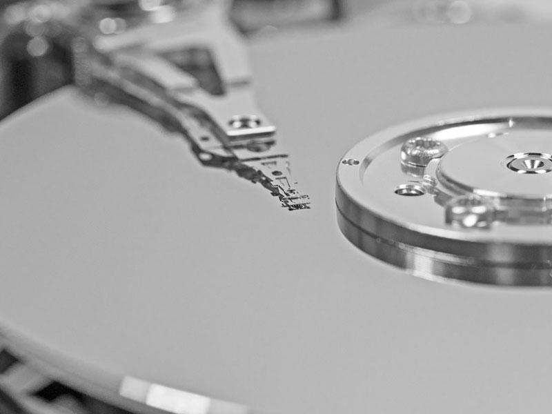 rpm (Revolutions per minute) = อัตราเร็วรอบต่อนาทีของจานหมุนบน Hard Disk