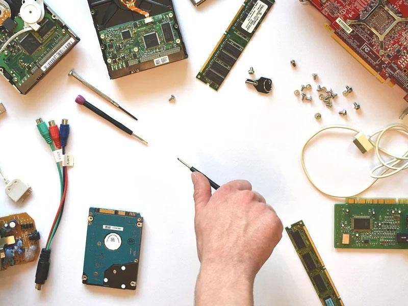Hardware คืออะไร เรื่องควรรู้ในเครื่องคอมพิวเตอร์ CPU Input Output และ Memory